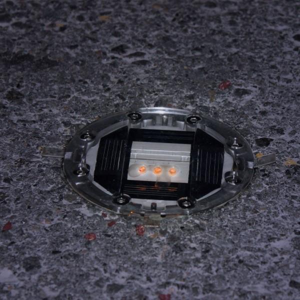 Plot solaire routier ansemble - Plot de signalisation ...